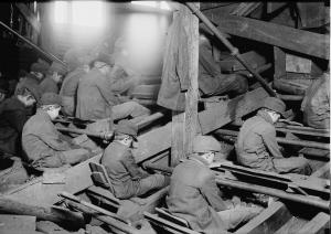 Pennsylvania_breaker_boys_1911